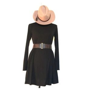 Von Maur Long Sleeve Dress Size Small